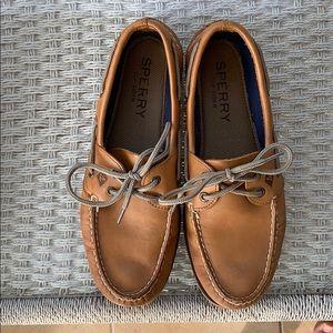 Men's Sperry Top-Sider light brown.